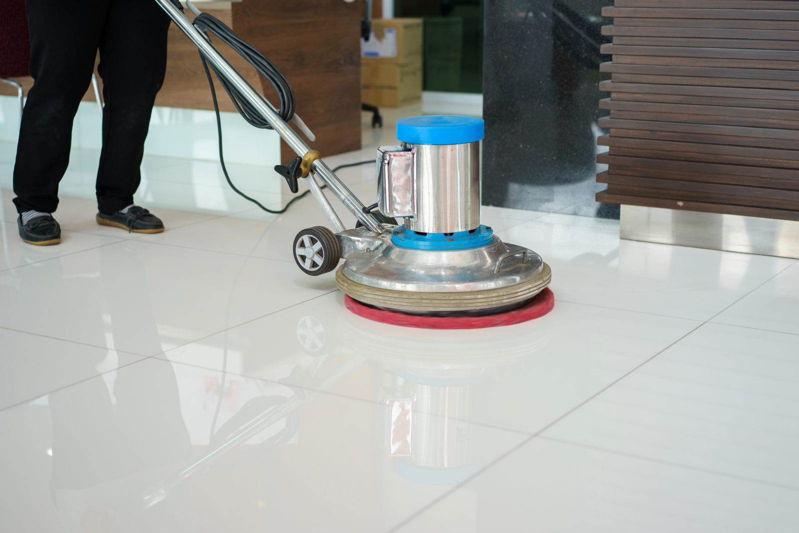 5 Reasons Why You Should Invest in Commercial Cleaning